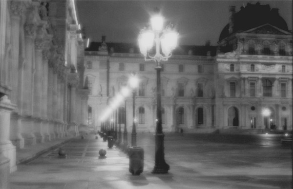 Louvre photograph in the rain