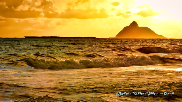 Moku Nui, the bigger of the 2 sacred islets out off of Kailua Bay, Moku Nui Keyword, sacred islets