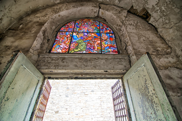 prison photography, stained-glass windows, art photographs of penitentiaries,