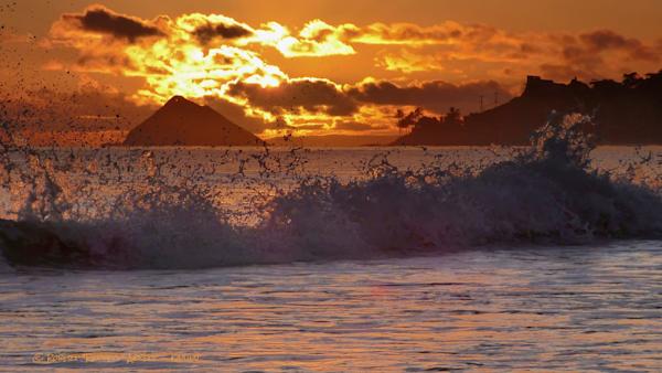 Sunrise, big Splash!