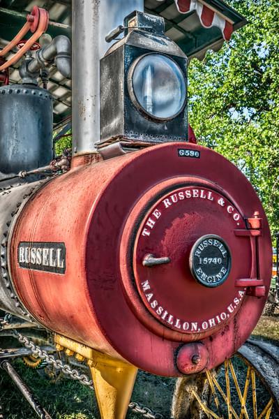 Russell Steam Powered Tractor Antique Emblem Closeup fleblanc