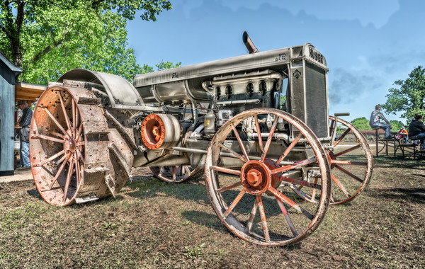 Vintage Huber Restored Gas Farm Ranch Tractor fleblanc