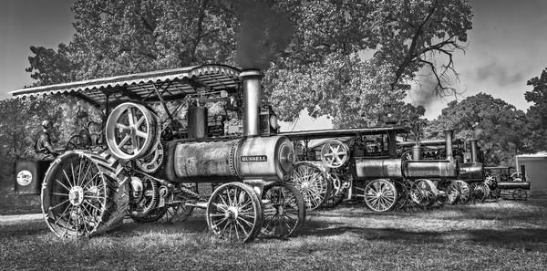 JL Case Russell Steam Powered Tractors Black & White fleblanc