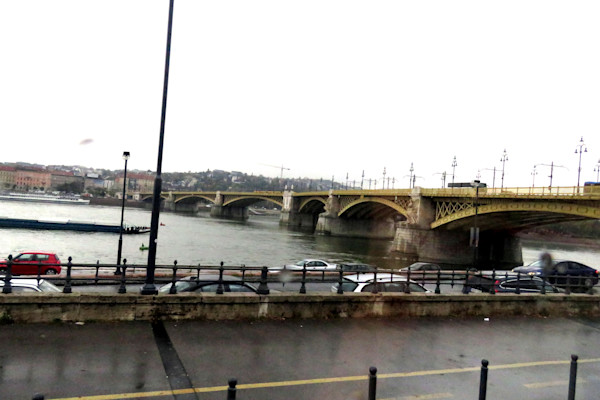IMG 1620 Chain Bridge between Buda and Pest st lt dk
