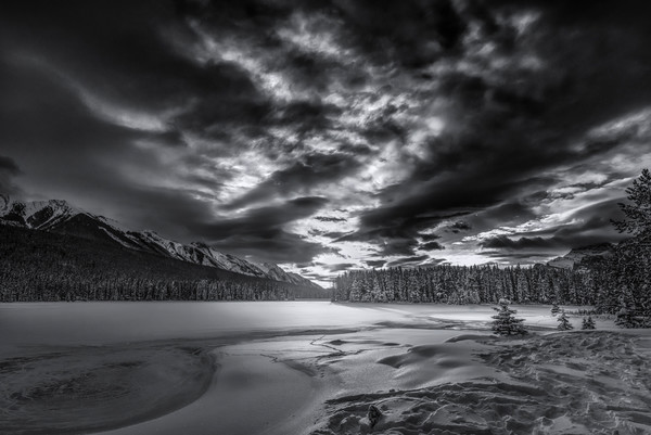 Sun rise over Two Jack Lake. |banff National Park|Canadian Rockies| Rocky Mountains|
