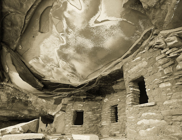 Casey Chinn Photography - Custom metal fine art photographs of landscapes of the American west featuring Anasazi rock-art and architectural relics