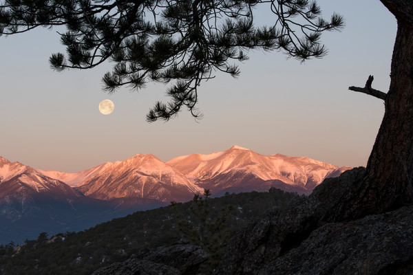 Full moon-set at sunrise above Mt. Antero, Buena Vista, Colorado