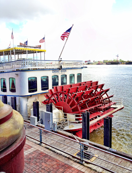 Creole Queen Red Paddle Wheel