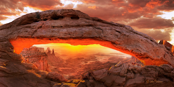 Mesa Arch Sunrise - Canyonlands National Park, UItah