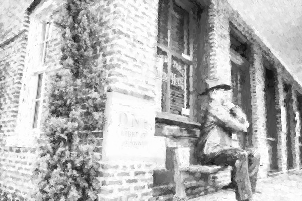 Grapevine Main Street Statue Guy, BW