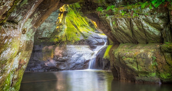 Pewit's Nest and Cave, Baraboo, Wisconsin, USA