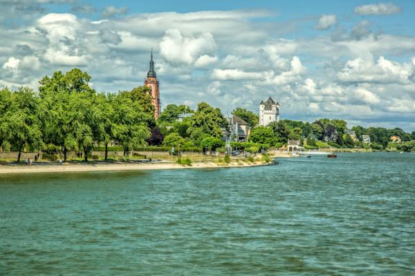 Along the Rheine