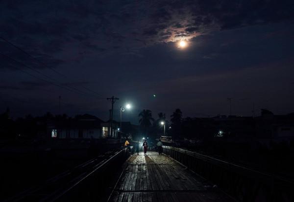 Full Moon Over Bago