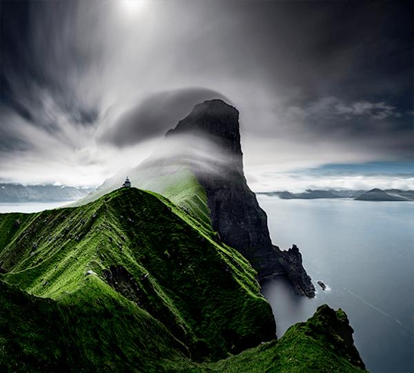 Cliffs of Kallur | Beperkte oplage kunst print | A-Galleria