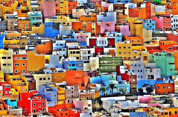 Painted houses | Beperkte oplage kunst print - Tony Hernandez | A-Galleria