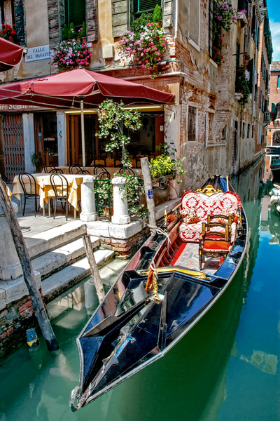 Gondola And Dock  Photography Art | Images by Louis Cantillo