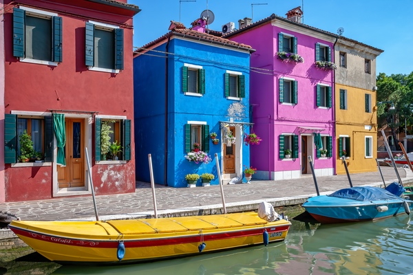 colored fishermen's houses, colorful Island, Venetian Lagoon