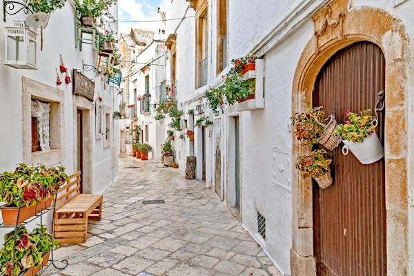 Whitewashed Houses, Wine, Borghi pi belli d'Italia,  Puglia, Itria Valley