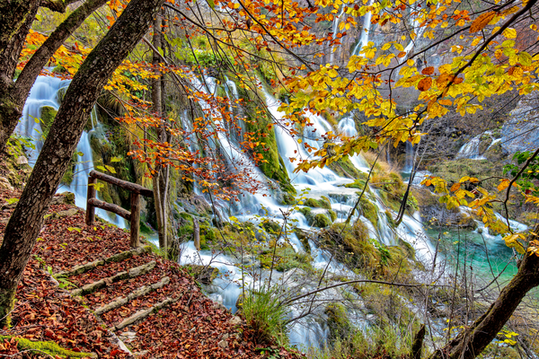 terraced lakes, limestone canyon, waterfalls, Veliki Slap, national parks