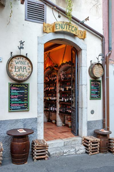 Wine Bar, Sicilian, Taormina, Sicily, Italy, Mediterranean,  Mount Etna, Greek Amphitheater