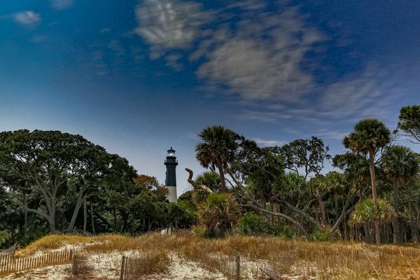 lighthouse_under_the_stars