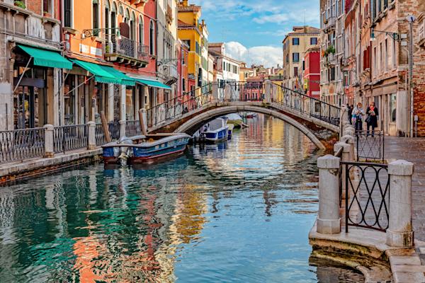 Laguna Venezia, gondolas , Venetian canals,  Rialto Bridge, Venice, Italy