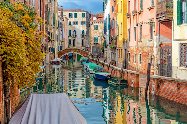 Backstreet Canals, 118 small islands,  hidden waterways, scenic canals, Venetian Canals, Venice, Italy
