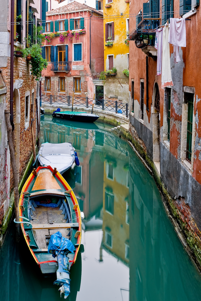 Waterways, Gondolas, vaporetto water taxis, freight barges, Venetian canals, Venice, Italy