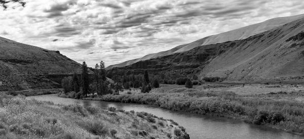 Horseshoe Bend Photography Art | Gretchen Shepherd Photography / Images by Gretchen