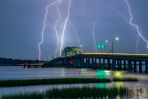 lightning_at_woods_bridge