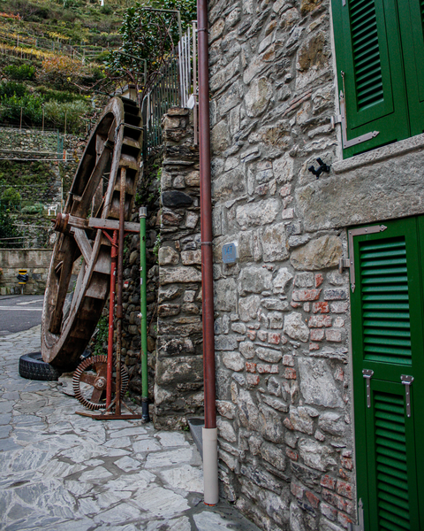 The Old Water Wheel Photography Art | Happy Hogtor Photography