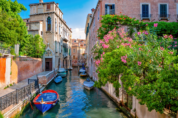 Print Art Venice, Italy Colorful Canal