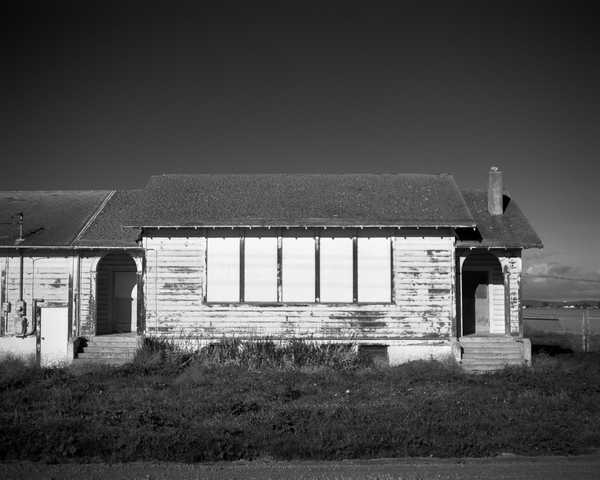 California Landscape Photography - Boarded up farmhouse
