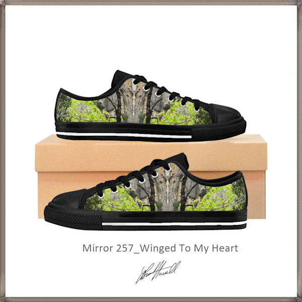 Mirror 257_Winged To My Heart Sneaker