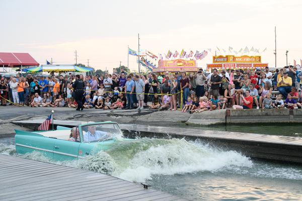 Dsc2538 Amphicar Splash In Photography Art | Hatch Photo Artistry LLC