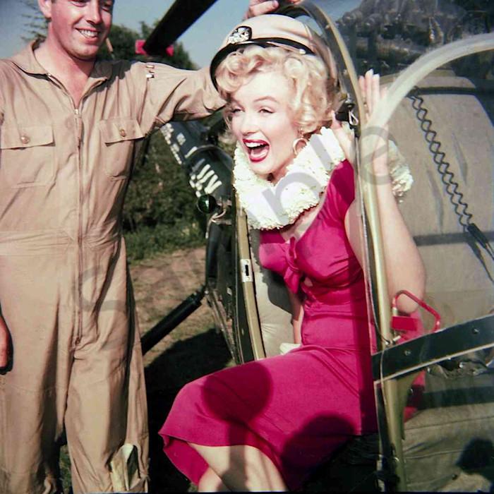 Marilyn Monroe exits a helicoptor