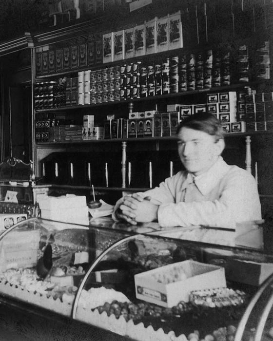 Fred Hunter Awaits A Customer