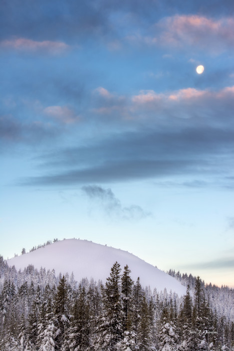 Cascade Moonset (151338LND8-S) Photograph for Sale as Fine Art Print