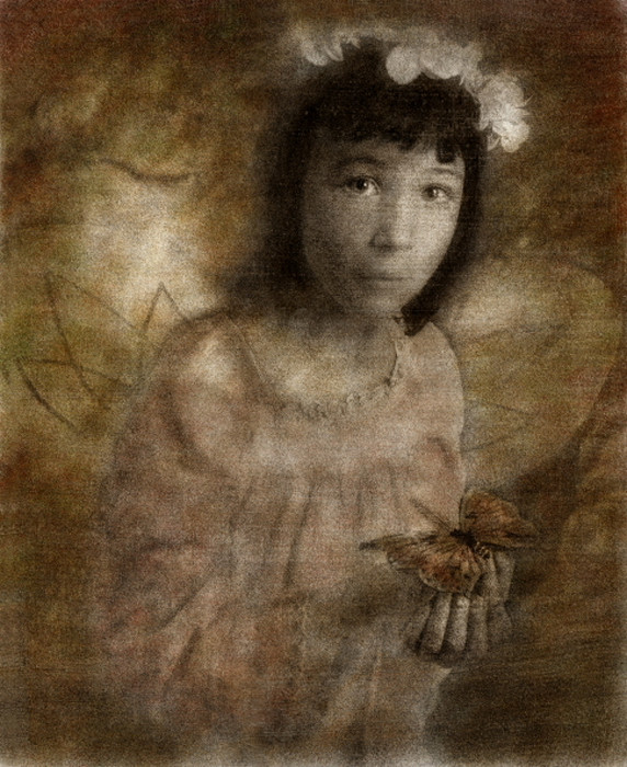 Hannah_and_the_butterfly_opk3dl