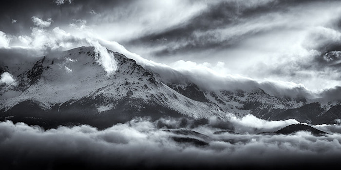 Above_the_clouds_b_w_2_nhqxyi