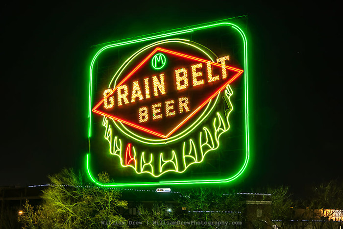 Grain_belt_sign_sm_fm4kw0