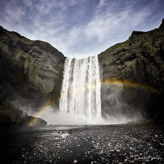 Skogafoss-waterfall-iceland_xyxuiq_ket2j5