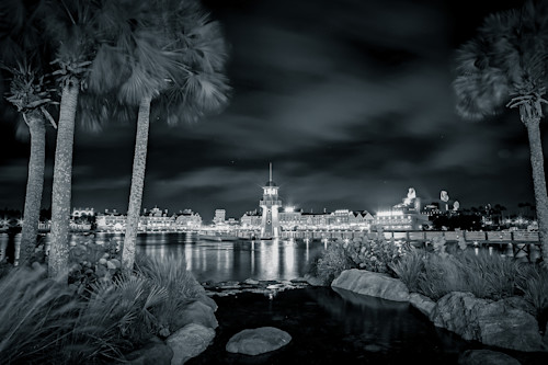 Black_and_white_image_of_disney_world_boardwalk_lighthouse_uxfgly