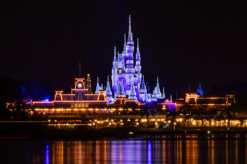 Magic_kingdom_christmas_cl9cyx