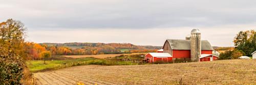 Autumn_barn_cwimzt