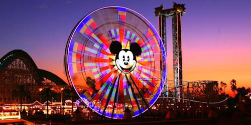 Mickey_s_fun_wheel_zfoovk