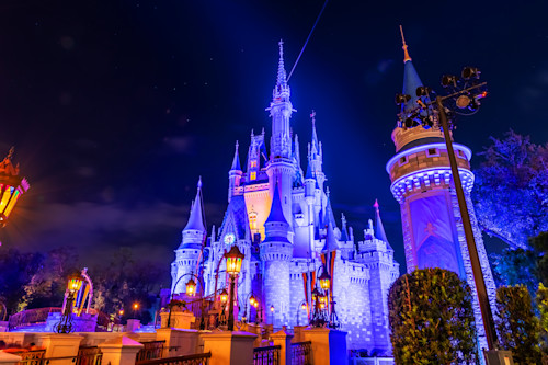 Nighttime_cinderella_s_castle_umivif