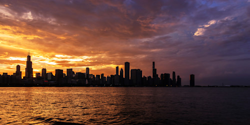 Hot_and_cold_chicago_sunset_skyline_uh5pgt