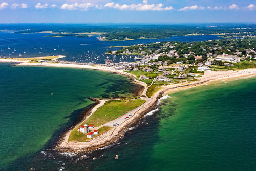 Watch_hill_lighthouse_aerial_clovdm