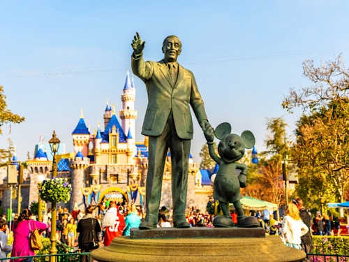 Partners statue at disneyland or0thw